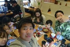部長家族と中嶋家で寿司😄